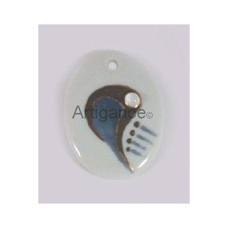 pendentif ovale perle bleu