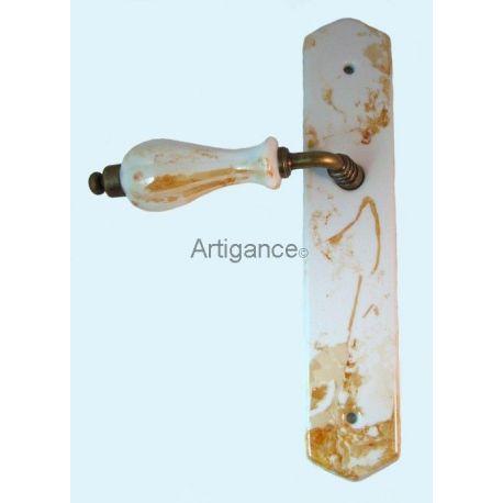 Poignée et plaque de porte marbrée orangée